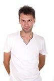 Mager man i den vita t-skjortan Royaltyfri Foto