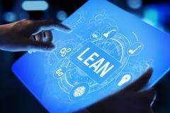 Mager, sechs Sigma, Qualitätskontrolle und Herstellungsprozessmanagementkonzept auf virtuellem Schirm lizenzfreies stockbild