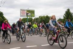 30 maggio 2015: Poltava l'ucraina Parata di riciclaggio della bici Immagine Stock