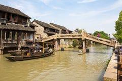 Maggio 2013 - Wuzhen, Cina - Wuzhen è uno dei villaggi dell'acqua più famosi della Cina Fotografia Stock Libera da Diritti