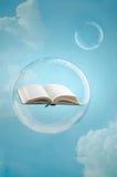 Magia książki obraz royalty free