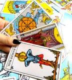 Magia occulta di divinazione delle carte di tarocchi fotografia stock