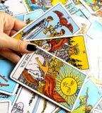 Magia occulta di divinazione delle carte di tarocchi immagini stock