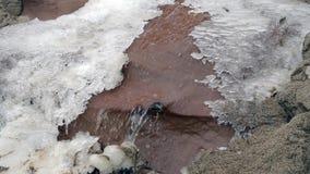 Magia zima Roztapiający lód Płynąć pod lodową wodą zdjęcie wideo