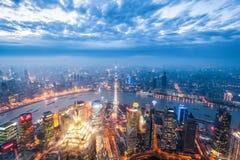 Magiczny miasto Shanghai w zmroku Fotografia Royalty Free