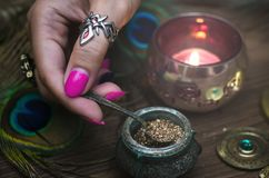Magiczny napój miłosny guślarstwo Magiczny qure szamany zdjęcia royalty free