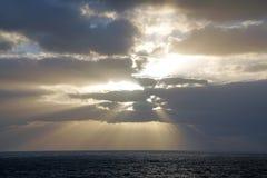 Magiczny ocean nadmiar atlantyckiego wschód słońca Ranek Fala zdjęcie royalty free