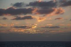 Magiczny ocean nadmiar atlantyckiego wschód słońca Ranek Fala kipiel zdjęcie stock