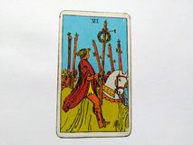 Magie occulte de divination de cartes de tarot photographie stock