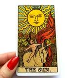 Magie occulte de divination de cartes de tarot photographie stock libre de droits