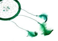 magii zieleni sen łapacz z piórkami odizolowywającymi na bielu obraz stock