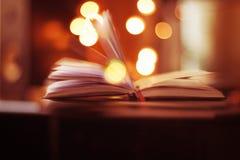 Magisch boek met bokeh Stock Foto