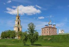 Magisch landschap met het Russische Kremlin in de zomer Ryazan stock foto's