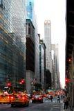Magisch Manhattan met verkeer royalty-vrije stock afbeeldingen