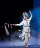 """Magisch van de zwaaien-vijfde handeling steelt onsterfelijk-Kunqu Opera""""Madame Witte Snake† Royalty-vrije Stock Afbeeldingen"""