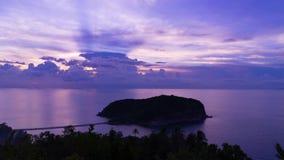 Magische de Wolkenoverzees Thailand Koh Phangan van de Eilandzonsondergang stock video