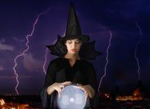 Magische kristallen bol royalty-vrije stock foto