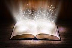 Magische pagina's royalty-vrije stock afbeeldingen