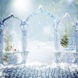 Magische poort aan het de winterbos Royalty-vrije Stock Afbeeldingen