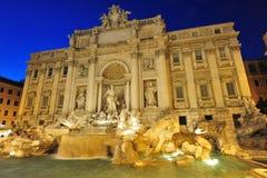 Magische roman nachten in Fontana Di Trevi royalty-vrije stock foto's