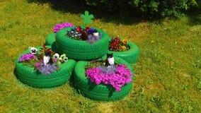 Magische tuin met kattenbeschermers Stock Afbeeldingen