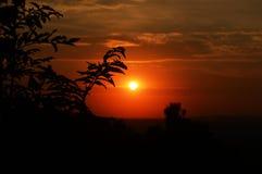 Magische zonsondergang in mooie aard royalty-vrije stock afbeeldingen