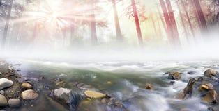 Magischer Fluss stockbild