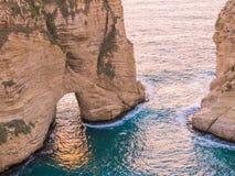 Magischer Sonnenuntergang auf Raouche, Tauben ` Felsen In Beirut der Libanon lizenzfreies stockbild
