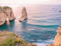 Magischer Sonnenuntergang auf Raouche, Tauben ` Felsen In Beirut der Libanon stockfoto