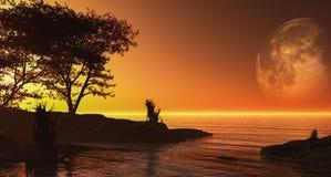 Magischer Sonnenuntergang und Vogel auf Himmel in der Sonne beleuchten Lizenzfreie Stockfotos