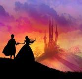 Magisches Schloss und Prinzessin mit Prinzen Stockbild