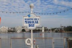 Magisches Tageszeichen bei Disney lizenzfreie stockbilder