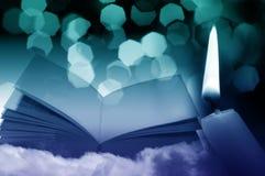 Magisk bok på natten Arkivbild
