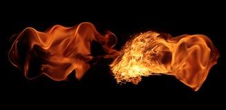 Magisk brandtändning - brännande röd-apelsin varm flamma arkivfoto