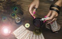 Magisk dryck witchcraft Magisk qure shaman Royaltyfri Fotografi