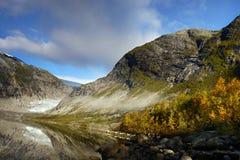 Magisk glaciärdal sjö royaltyfria foton