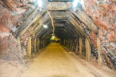Magisk insidasikt av Khewra den salta minen arkivbilder