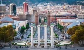 Magisk springbrunn, i Barcelona Spanien arkivfoto