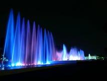 Magisk vattenströmkrets vid natt i Lima, Peru Royaltyfria Bilder