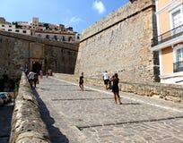 Magistrala kamienia brama przy historyczną cytadelą Ibiza zdjęcia royalty free