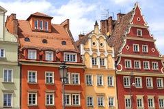 Magistrala rynek, kolorowi tenement domy, Niski Silesia, Wrocławski, Polska zdjęcia stock
