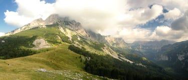 Maglic山在波黑在Sutjeska全国p 免版税库存照片