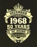 Maglietta di progettazione cinquanta anni di essere impressionante illustrazione di stock