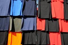 Maglietta multicolore Immagini Stock Libere da Diritti