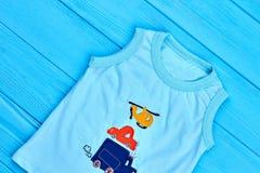 Maglietta senza maniche del cotone del neonato Fotografie Stock Libere da Diritti