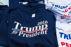 Magliette di campagna di Trump da vendere Fotografia Stock Libera da Diritti