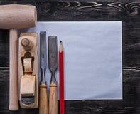 Maglio di legno degli scalpelli che rade la costruzione di carta pulita della matita piana Fotografia Stock