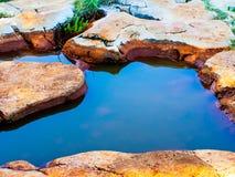 magma de l'eau dans une crevasse image stock