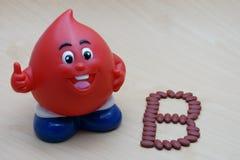 Magnesio ferroso del fumarato 200 con las vitaminas para el tipo B del donante de sangre fotografía de archivo