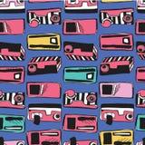 Magnetófono de Memphis Eighties Stylized Retro Cassette stock de ilustración